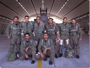 piloten-gevechtsvliegtuig-klaar-om-te-starten-september-2014_thumb